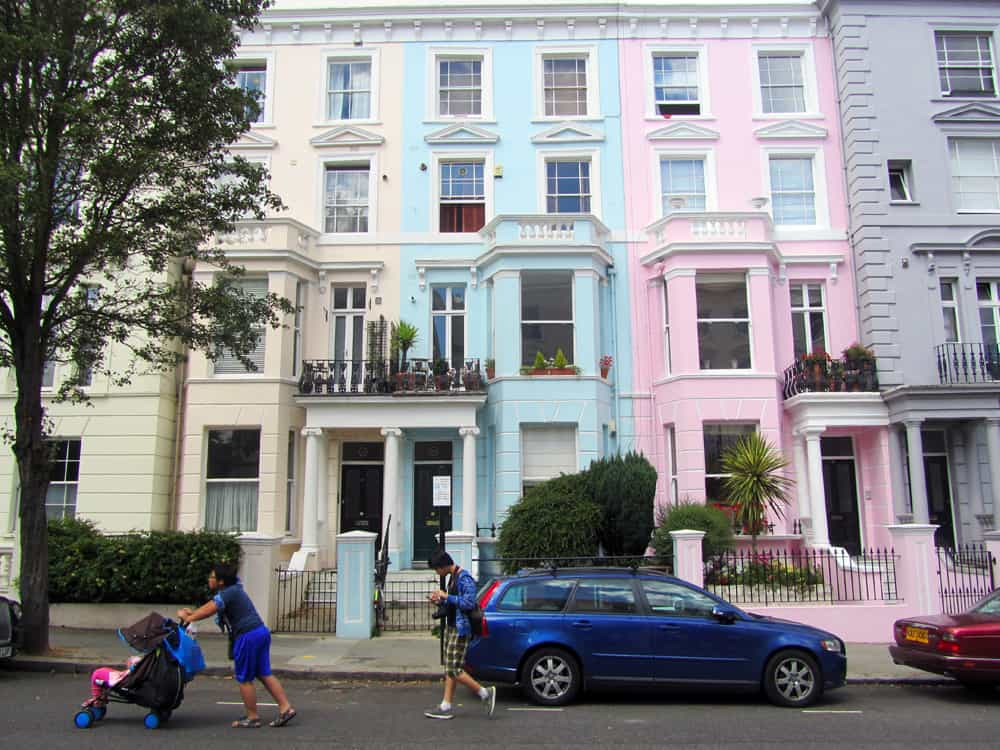 Londres - Nothing Hill - maisons colorées ©Etpourtantelletourne.fr