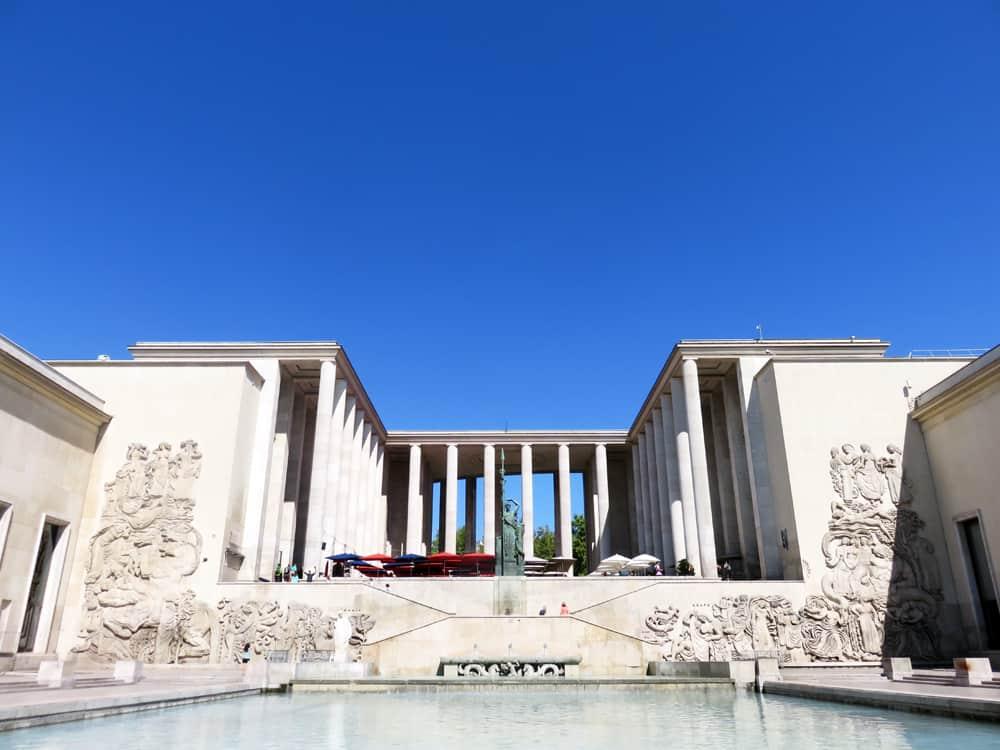 Palais de Tokyo, Paris expositions universelles 2015 ©Etpourtantelletourne.fr