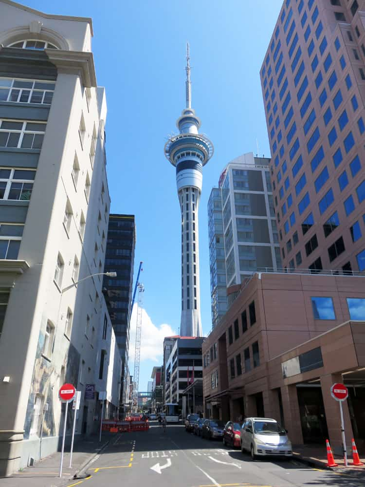 Auckland - Sky Tower 2016 ©Etpourtantelletourne.fr