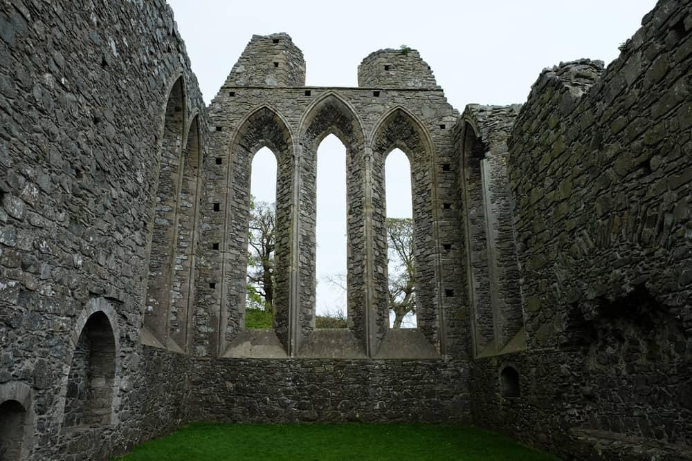 Itinéraire sur les lieux de tournage de Game of Thrones en Irlande du Nord - Inch Abbey ©Etpourtantelletourne.fr