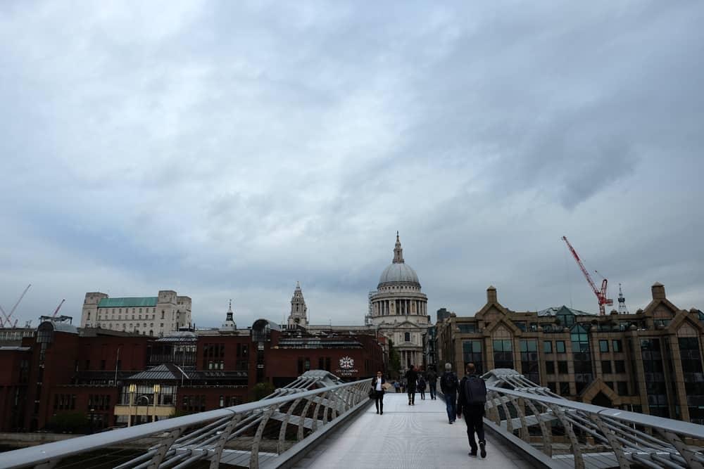 Lieux de tournage Harry Potter à Londres - pont du Millennium ©Etpourtantelletourne.fr