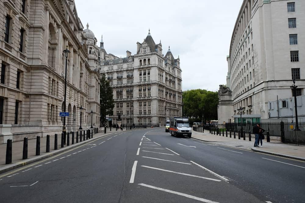 Lieux de tournage Harry Potter à Londres - toilettes entrée ministère de la Magie ©Etpourtantelletourne.fr