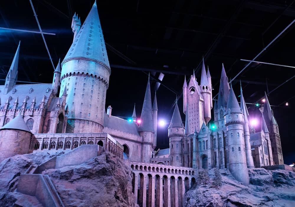 Lieux de tournage Harry Potter à Londres - studio tournage vues château de Poudlard ©Etpourtantelletourne.fr