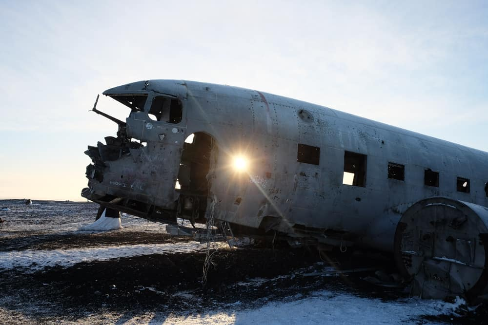 L'avion abandonné sur une plage d'Islande justin bieber ©Etpourtantelletourne.fr