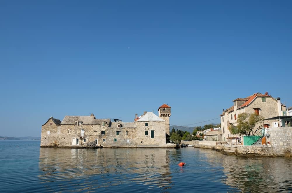 Itinéraire sur les lieux de tournage de Game of Thrones en Croatie - Kastel Gomilica - Braavos ©Etpourtantelletourne.fr