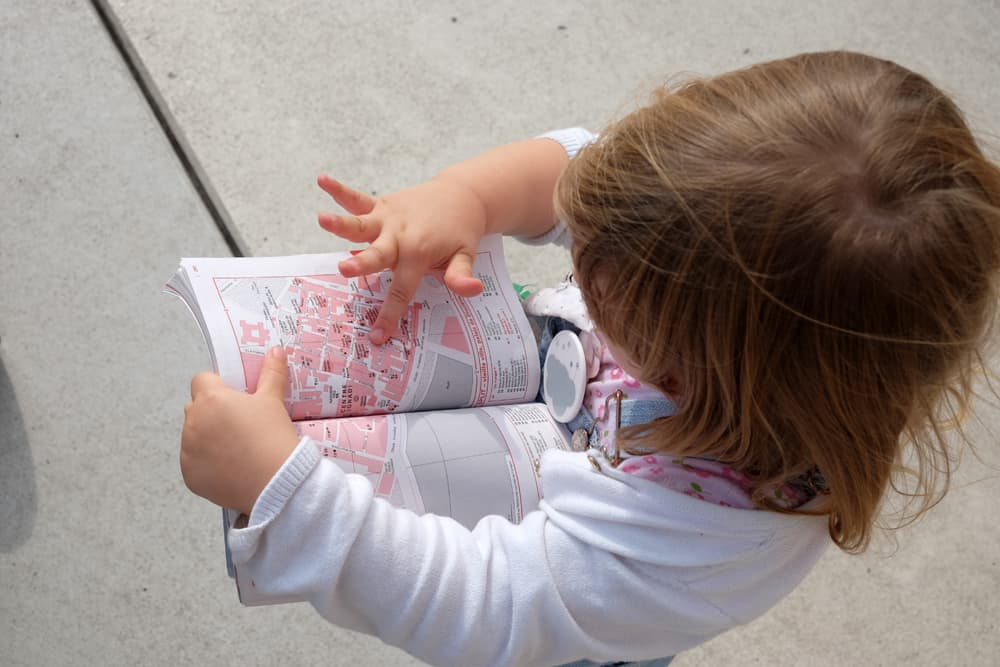 Voyager avec 2 enfants de 0 à 36 mois : conseils et retour d'expérience ©Etpourtantelletourne.fr
