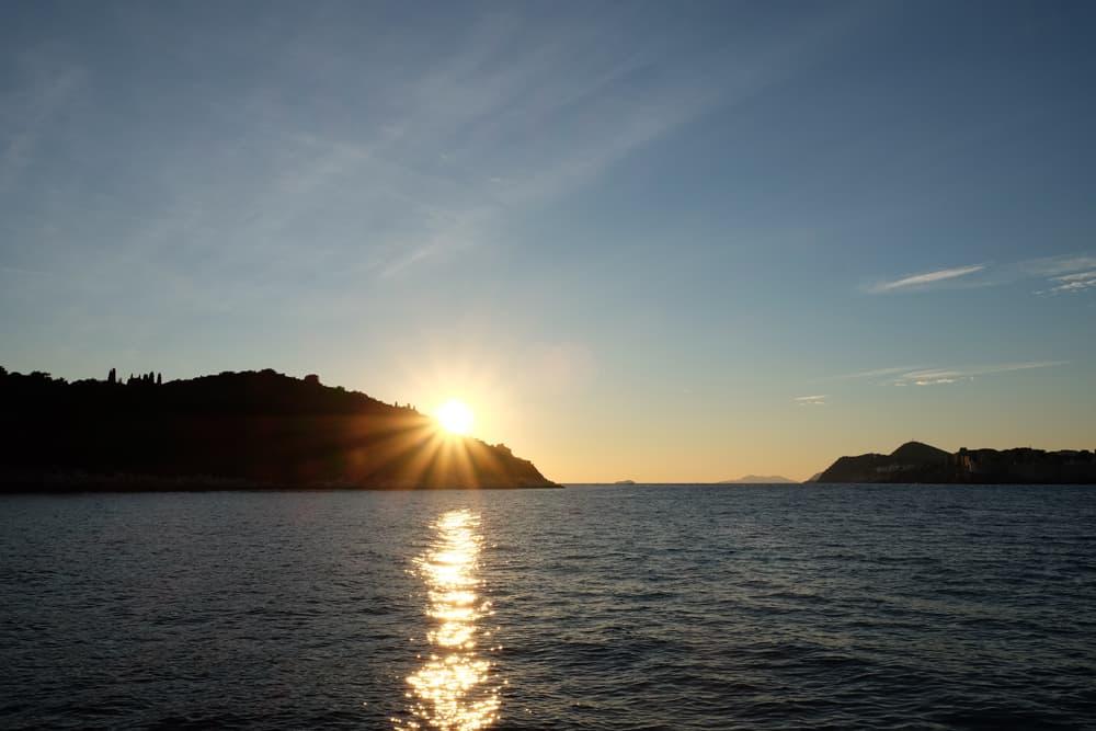 Coucher de soleil sur l'île de Lokrum Dubrovnik ©Etpourtantelletourne.fr