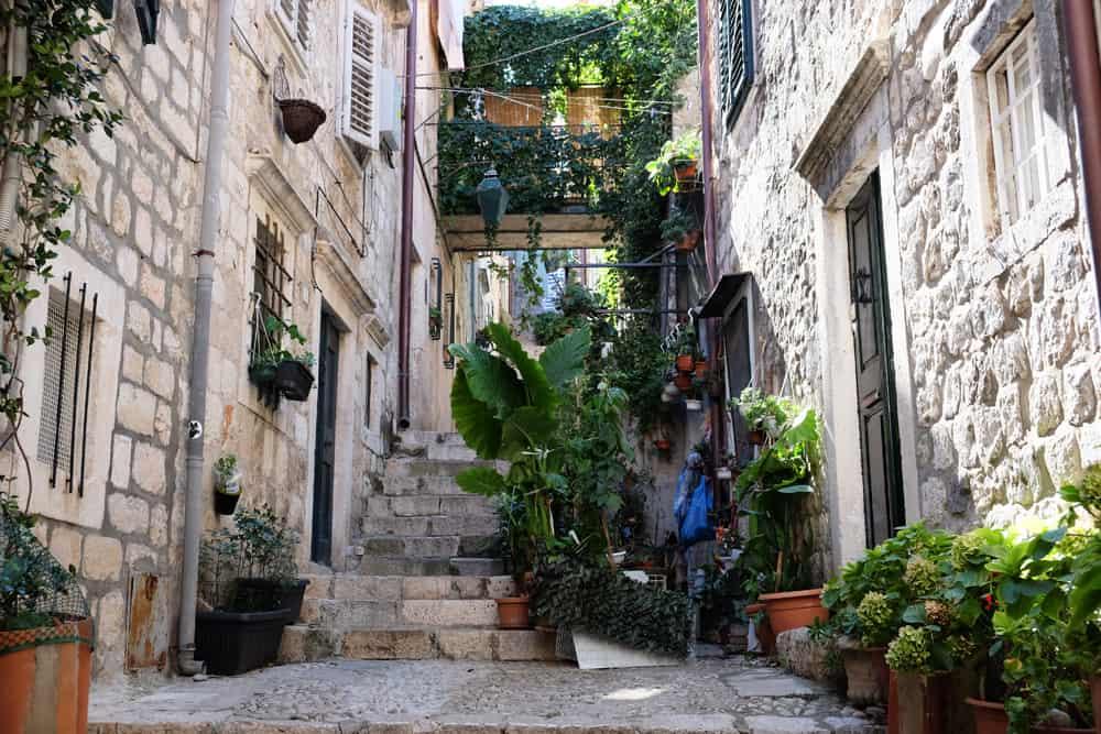 ruelle verte Dubrovnik ©Etpourtantelletourne.fr