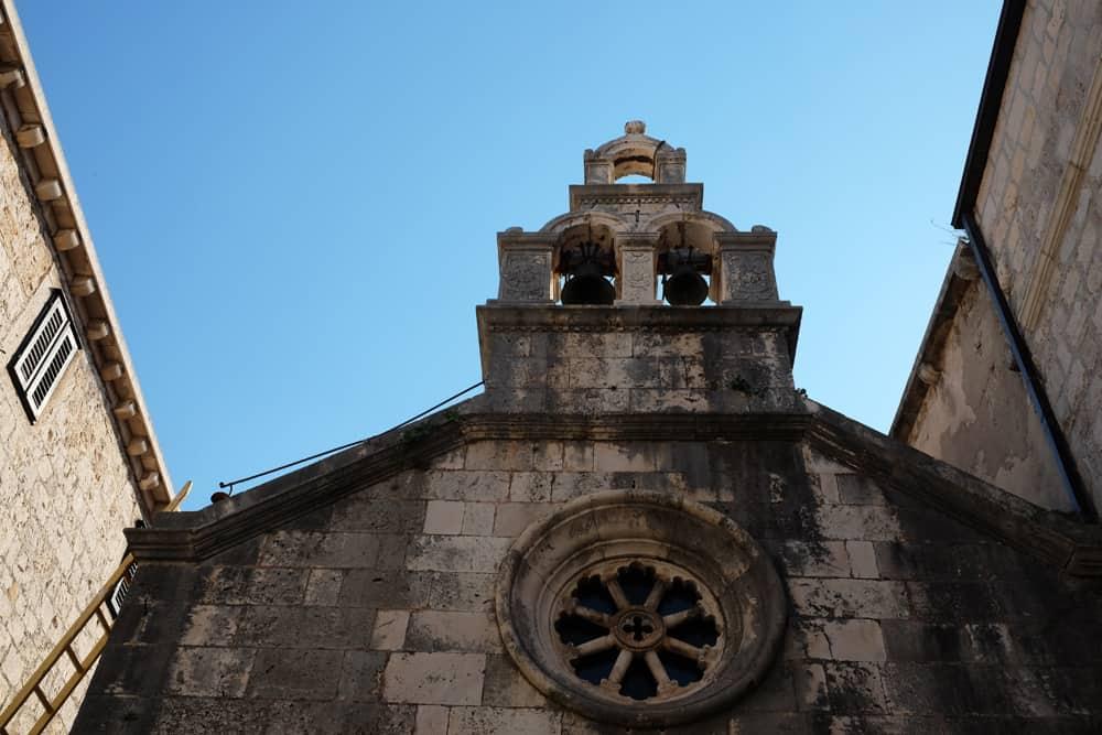 Visite de la vieille ville de Korcula en famille : l'église ©Etpourtantelletourne.fr