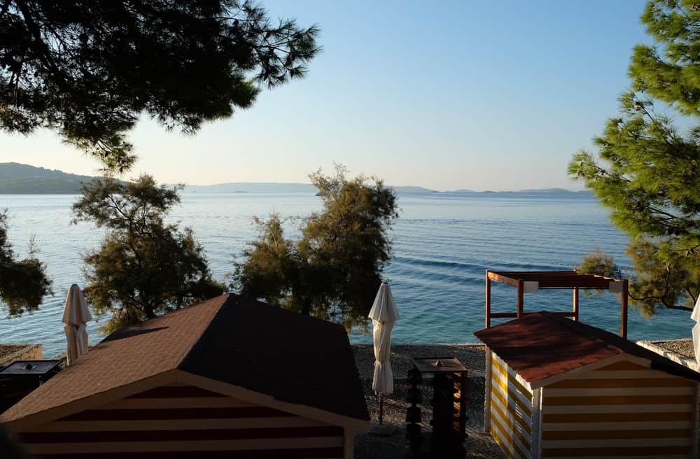 Camping vue sur mer près de Split en Croatie ©Etpourtantelletourne.fr