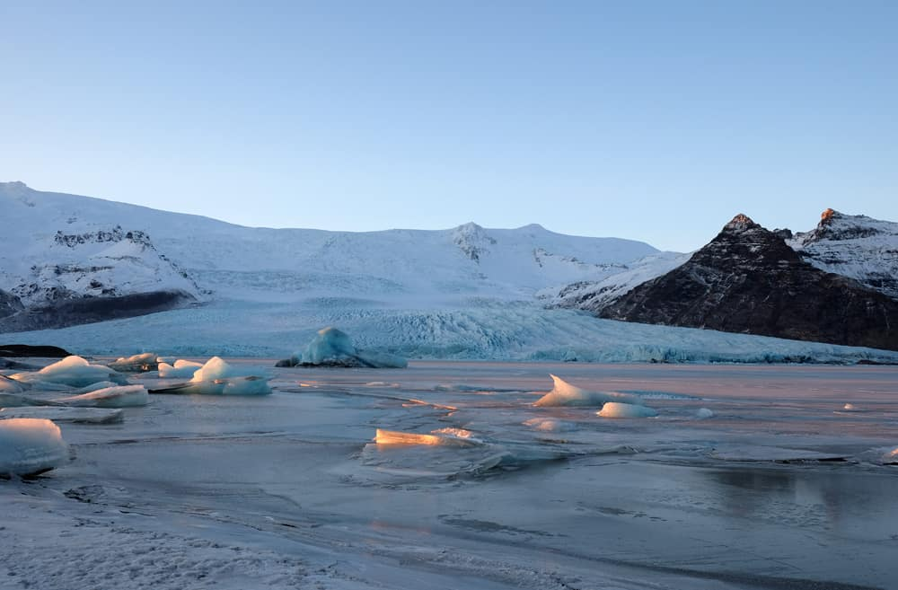 Itinéraire sur les lieux de tournage de Game of Thrones en Islande - lagune de Fjallsárlón - sauvageons ©Etpourtantelletourne.fr