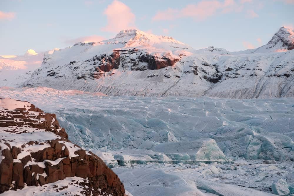 Itinéraire sur les lieux de tournage de Game of Thrones en Islande - glacier Svinafellsjökull - rencontre john snow igryd ©Etpourtantelletourne.fr