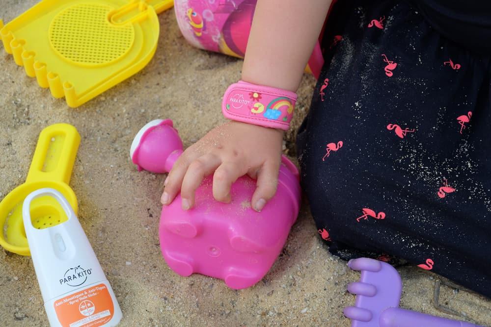 Bracelets et spray PARA'KITO anti-moustiques + anti-tiques, à base de produits naturels et made in France // ©etpourtantelletourne.fr