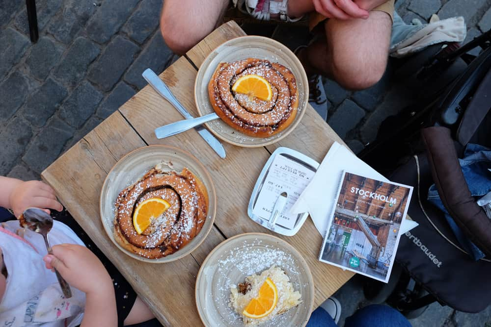 Roulés à la cannelle en Suède // ©etpourtantelletourne.fr