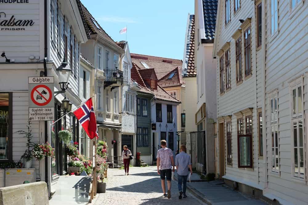 Balade bucolique dans les rues de Bergen  ©Etpourtantelletourne.fr