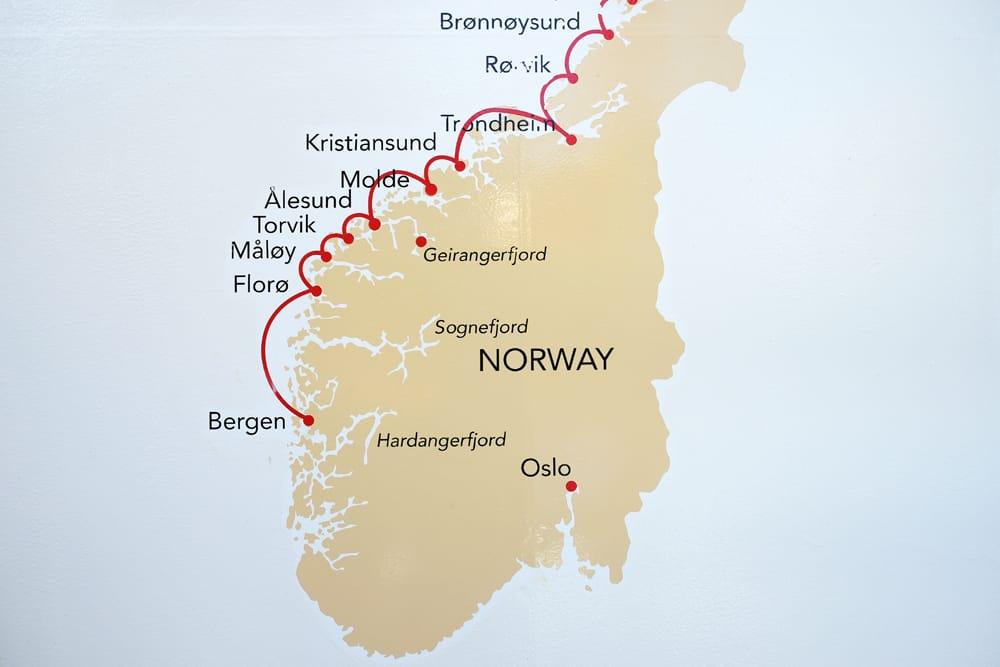 Itinéraires, conseils et informations pratiques pour une croisière en Norvège avec Hurtigruten ©Etpourtantelletourne.fr