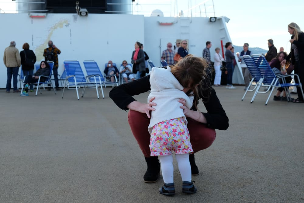 Faire une croisière en Norvège avec des enfants ©Etpourtantelletourne.fr