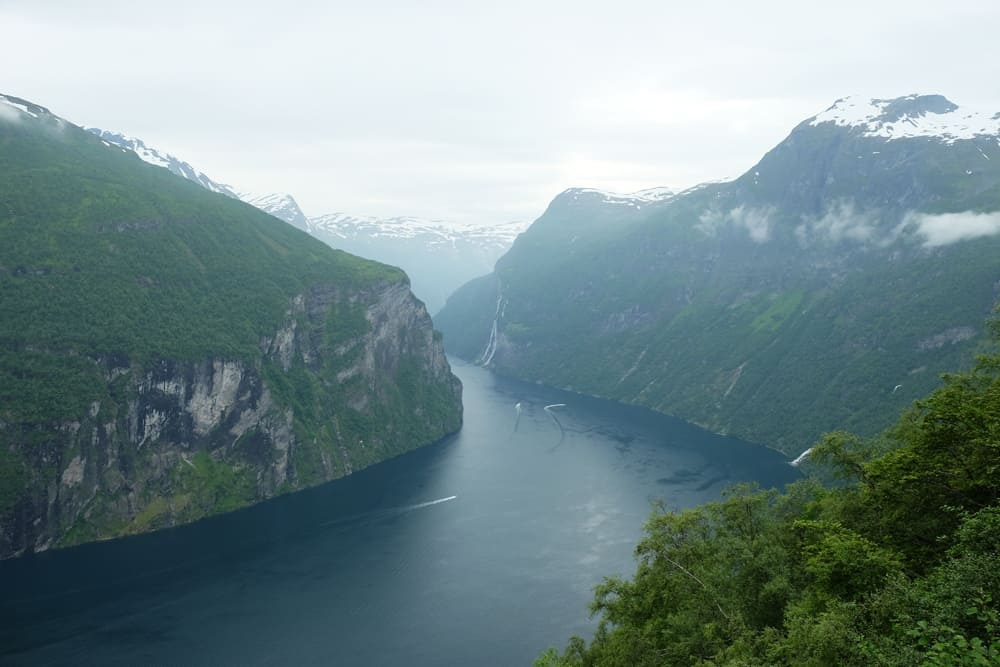 Point de vue panoramique sur le fjord de Geiranger ©Etpourtantelletourne.fr