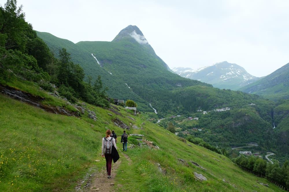 Randonnée à Geiranger vers les points de vue de Vesteråsfjellet et  Løsta ©Etpourtantelletourne.fr