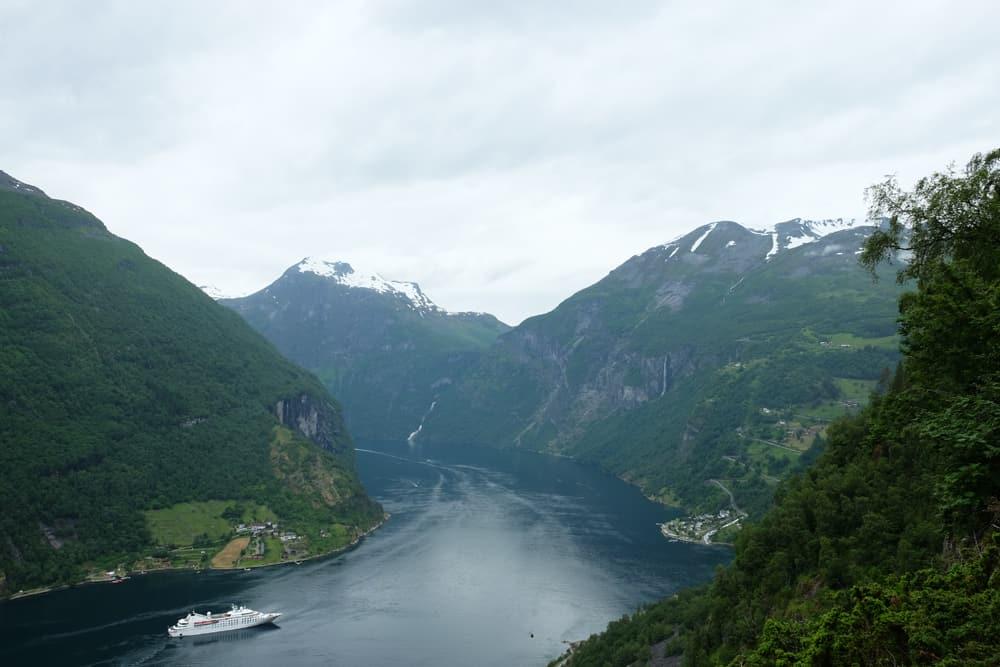 Randonnée à Geiranger vers le point de vue de Vesteråsfjellet ©Etpourtantelletourne.fr