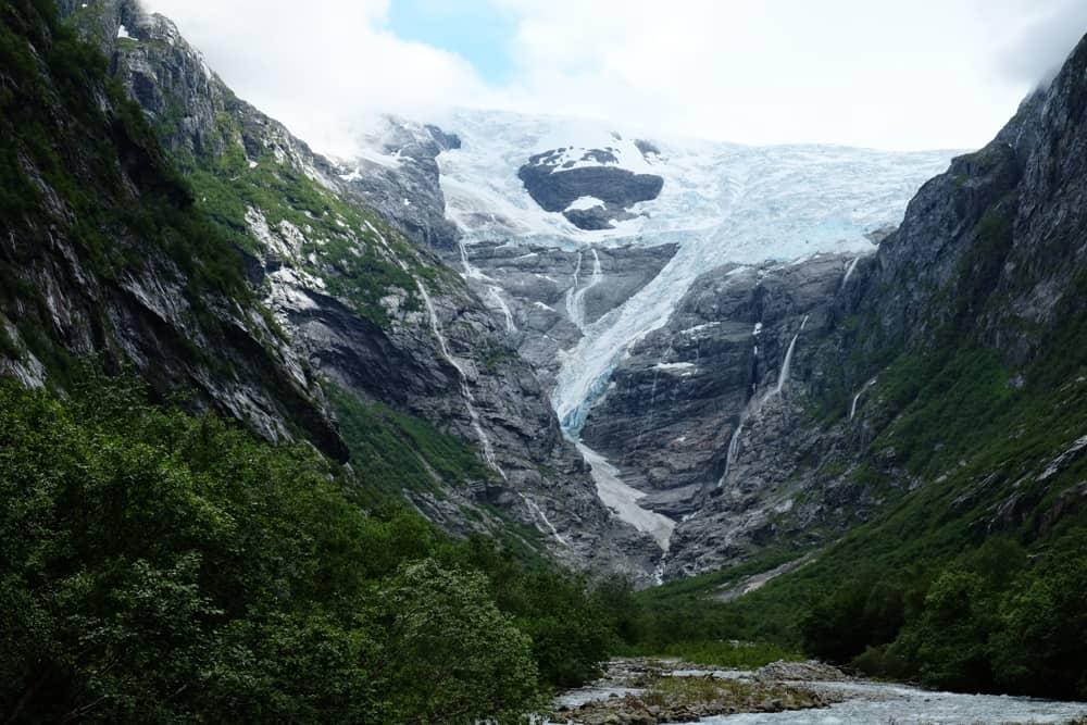 Le glacier de Kjenndalsbreen  ©Etpourtantelletourne.fr