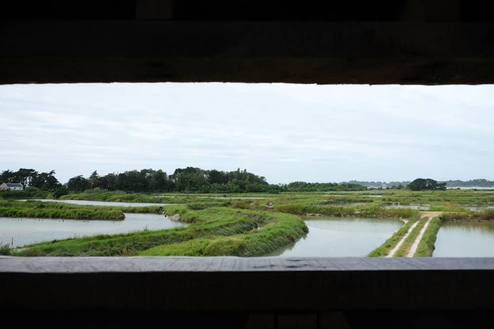 Vue sur les marais salants du Mès ©Etpourtantelletourne.fr