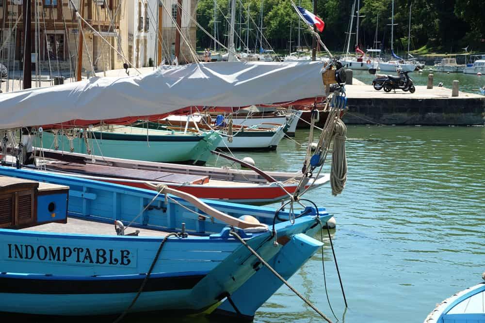 Bateau dans le port de Saint-Goustan ©Etpourtantelletourne.fr