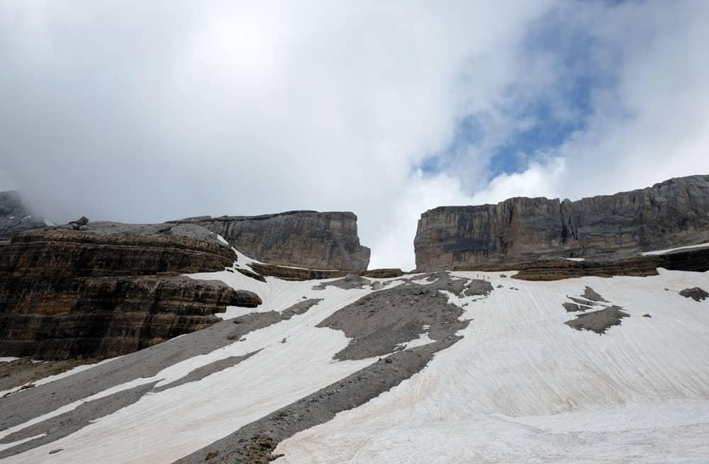 Randonnée vers la brèche de Roland - Hautes-Pyrénnées ©etpourtantelletourne.fr