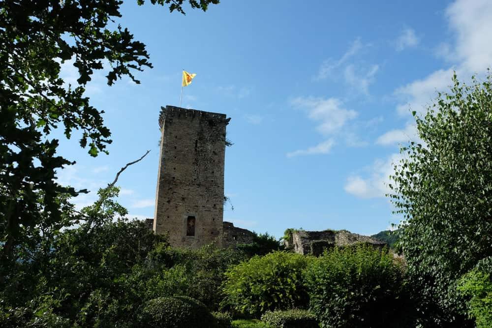 Le Donjon des Aigles - château de Beaucens ©etpourtantelletourne.fr