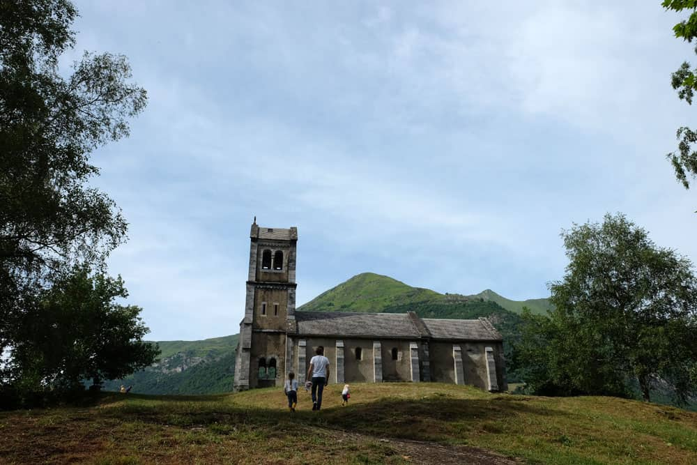 Balade à Luz-Saint-Sauveur - chapelle Solférino - Hautes-Pyrénées ©etpourtantelletourne.fr