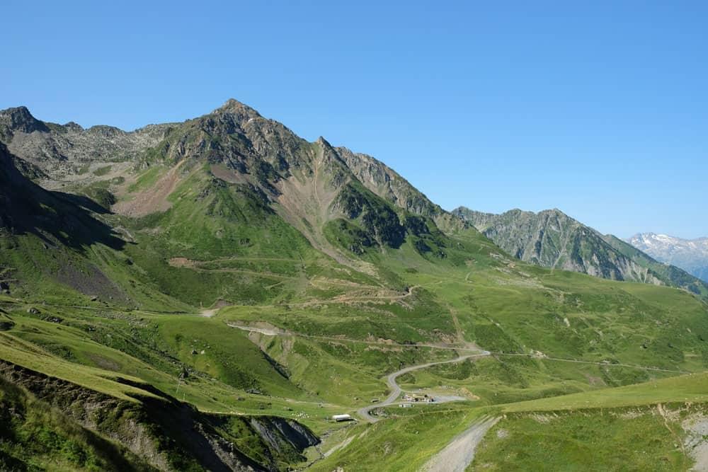 Route vers le col du Tourmalet ©etpourtantelletourne.fr